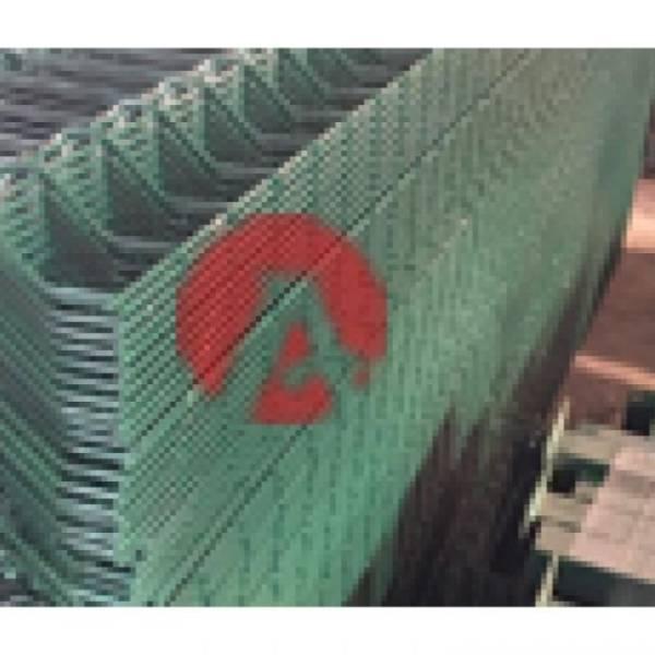 Yeşil Boyalı Panel Çit